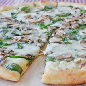 Spinach, Mushrooms Mozzarella & Gorgonzola Cheese w/ White Sauce